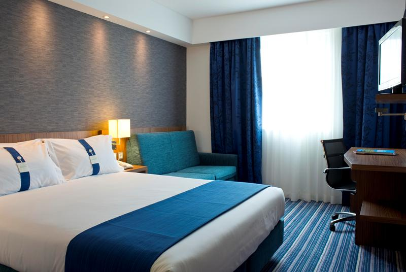 Room Service At Holiday Inn