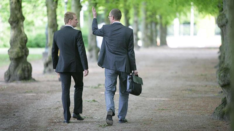 Sastanci dok hodamo