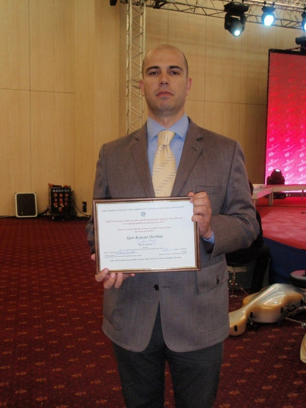 60th ESCVS congress, Moscow 2011 - MD Koncar with the award for the best paper in the category young vascular surgeons