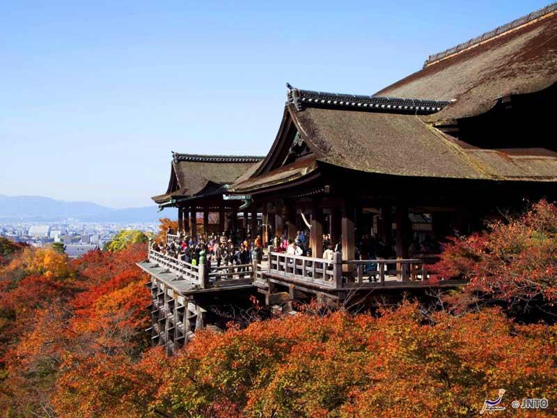Kiyomizudera Temple Autumn in Kyoto, credit JNTO