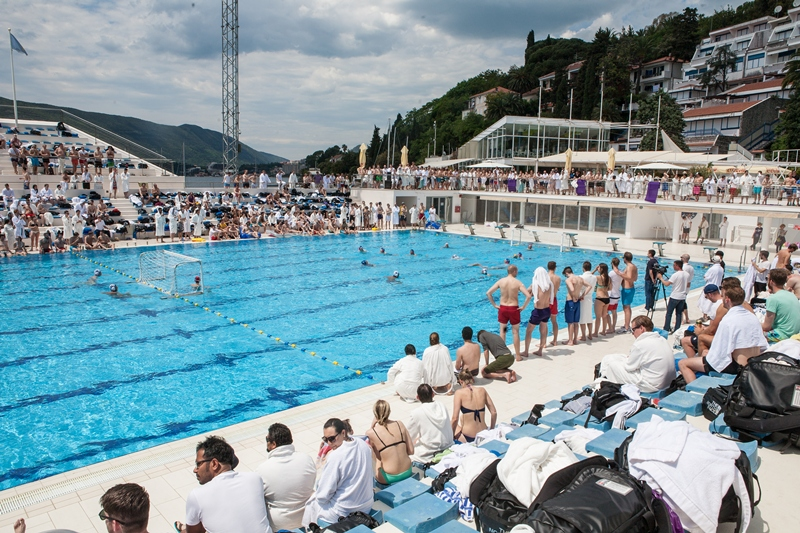 Game with the Montenegro National Water-polo tema