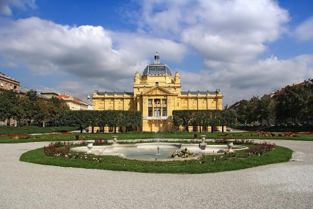 Umetnički paviljon u Zagrebu